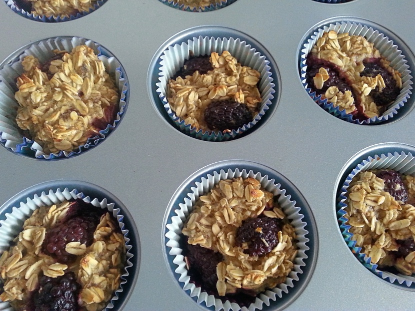 healthy_baked_oatmeal_muffins